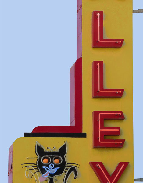 Alley Cat Neon Sign